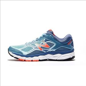 Blue New Balance Stability Sneakers 860 v 6